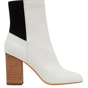 Dolce Vita Ramona White Booties   Size 8